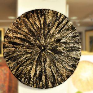 Scheibe aus Opuntien-Blattgerippen Durchmesser 98cm - Tiefdruckfarbe, Messing - Blattgold