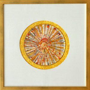 Allerfeinste Goldfaden-Arbeit, in mehreren Ebenen angelegt in der alten Knotenspitzentechnick Teneriffas / Blattgold und Seide / Im Rahmen 45x45 cm