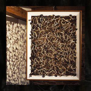 Material-Geflecht - bretonisches Wurzelholz - Golddraht - im Rahmen