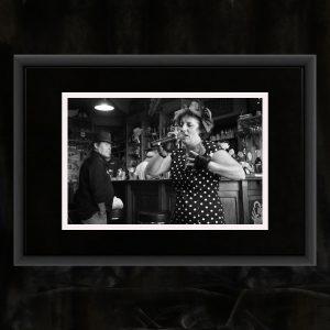 Schwarzweiß-Fotografie auf Baryth-Papier, handsigniert und gestempelt, in Alu-Rahmen, gebürstet schwarz